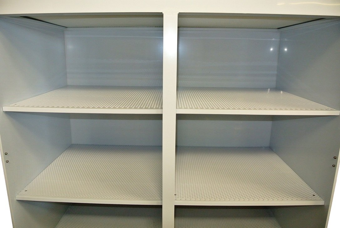 Laminar Flow Cabinets_Shelves